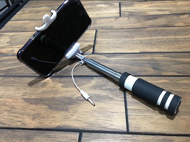 iPhone8,自撮り棒,イヤホンジャック