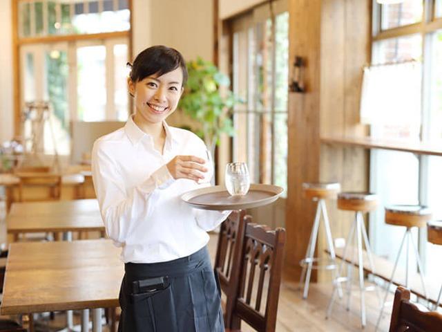カフェ店員,可愛い,イケメン,服装